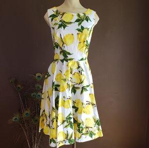 White Sleeveless Dress With Lemon Print